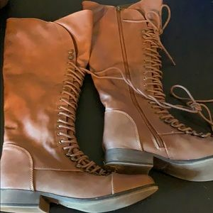 Lace up boutique boots